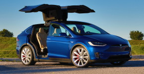 45 angle front Tesla Model X P90D 2016_0