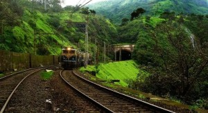Train-journey-from-Karjat-to-Lonavala