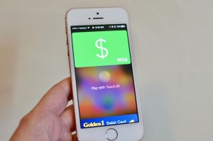 square-cash-apple-pay-iphone-hero